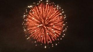 「スマホでキレイに花火を撮る方法?~お祭り!、花火!、御船町恐竜博物館!」くまちゃん・R子の子育て日記(36日目)