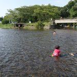 「熊本市現代美術館のお化け屋敷で大泣き・・・」「恒例・江津湖で水遊び!」くまとR子の子育て日記(103日目)
