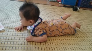 「3連休は台風18号通過で静かに過ごす」「0歳5か月の発育状況は?」くまとR子の子育て日記(112日目)